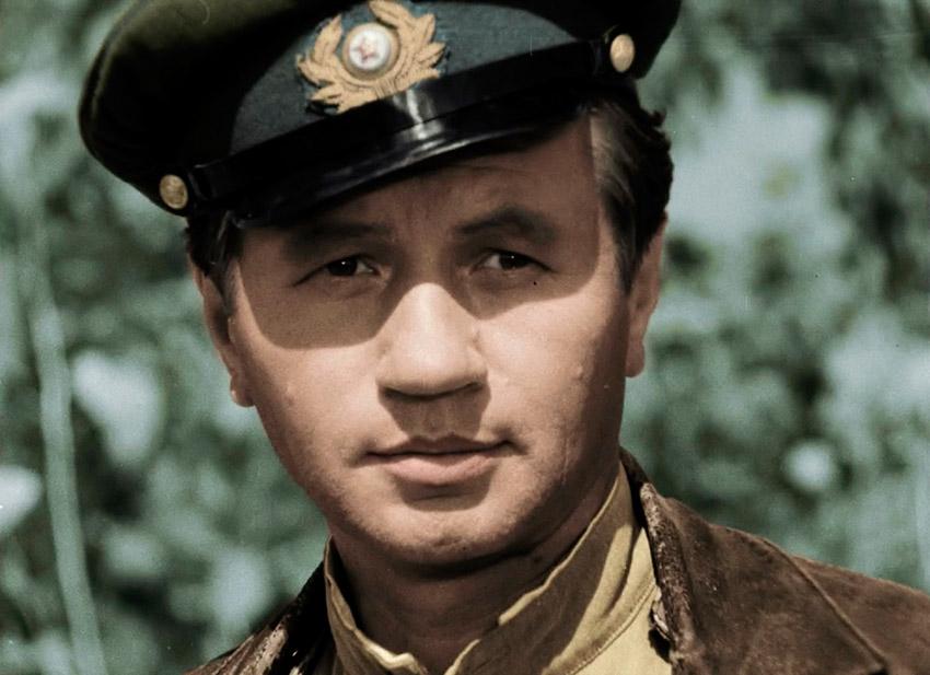 Леонид Быков - актер фильма В бой идут одни старики
