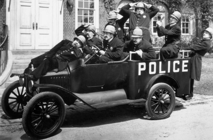 Полицейские из фильма Мака Сеннета