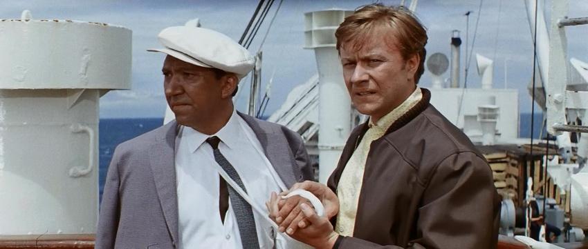 """Сцена на пароходе из фильма """"Бриллиантовая рука"""""""