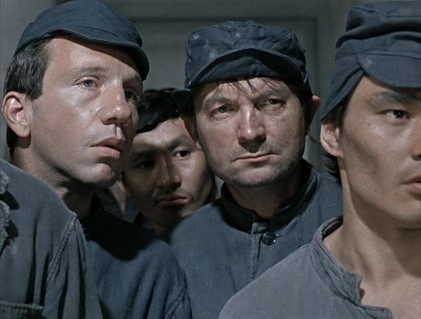 «Джентльмены удачи» сцена в тюрьме